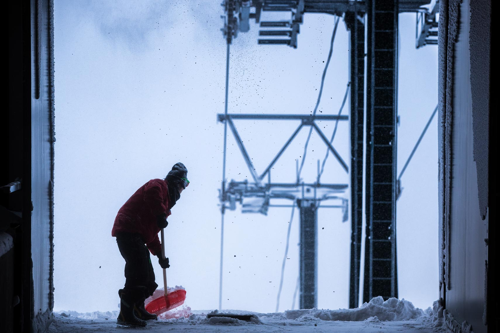 Canadian ski photographer travels to Hakuba Japan to shoot this ski lift image