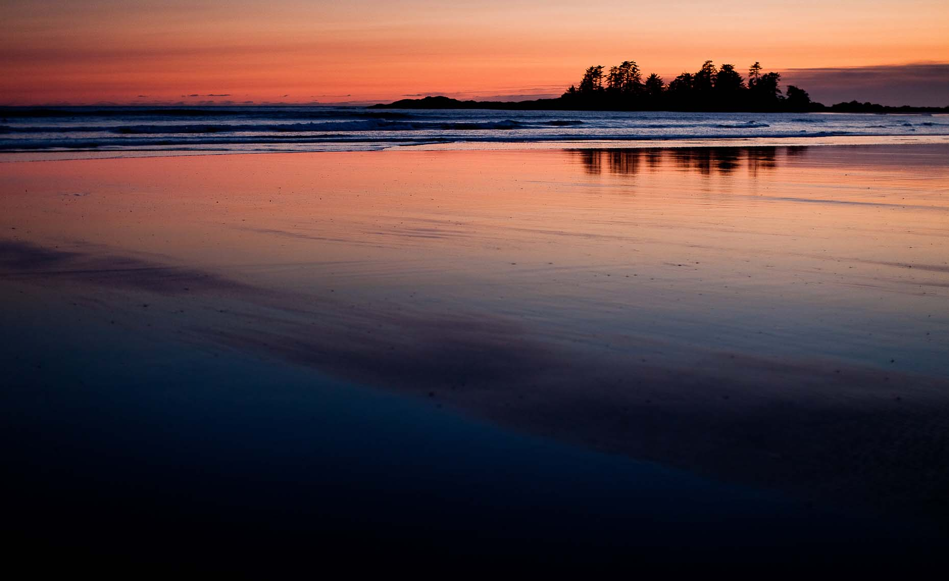 Whistler BC photographer captures ocean landscape at sunset on vancouver island.